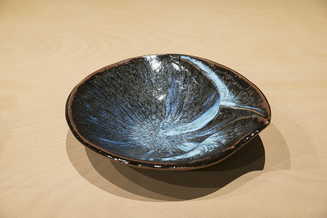James Greig, Bowl, c1982-84. Courtesy of The Dowse Art Museum. Photo: John Lake