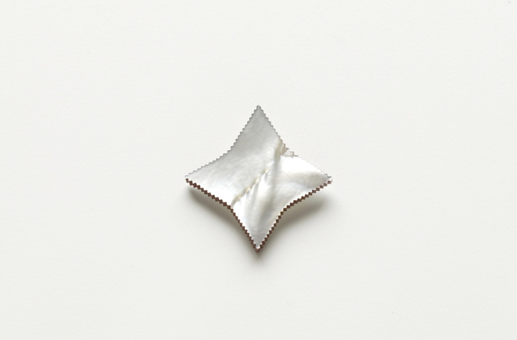 Warwick Freeman, Large Star, 1989. Mother of Pearl shell, paint