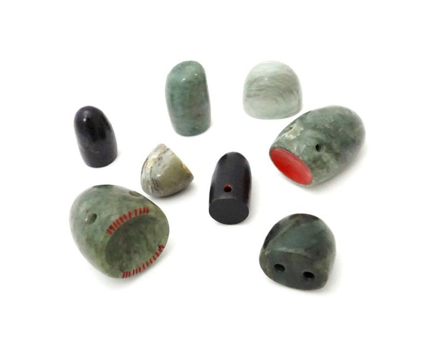 Neke Moa, Mauri Stones, 2016, pounamu, paint. Collection of The Dowse Art Museum. Photo: Toni Taylor